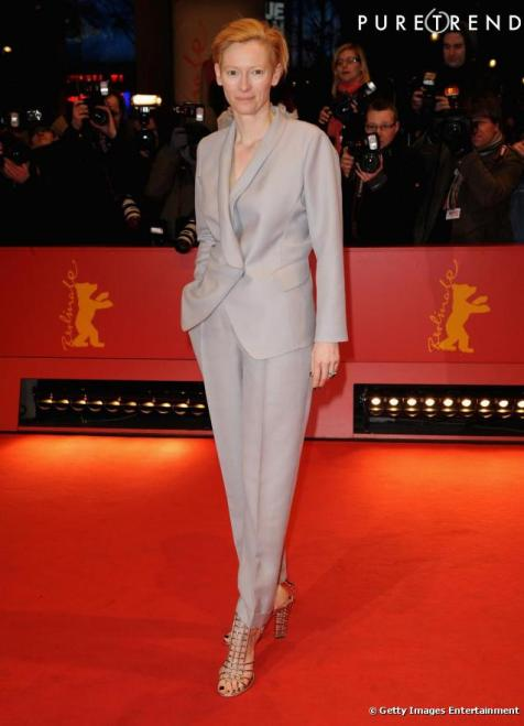 356313-tilda-ose-le-total-look-gris-clair-637x0-3