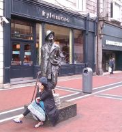 James Joyce Statue / Photos: Jicky@Destylesenaiguilles