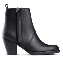 ACNE Pistol Boots 430€