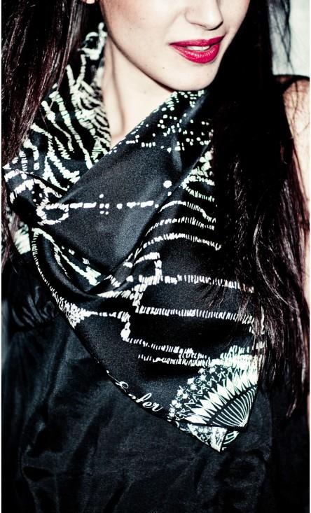 foulard-twill-soie-vegas-noir-esther-bonte